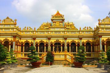 Chùa cổ Vĩnh Tràng - điểm hành hương và du lịch Tiền Giang nổi tiếng