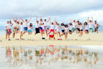 Tận hưởng mùa hè ở bãi biển Đồ Sơn, không lo chặt chém