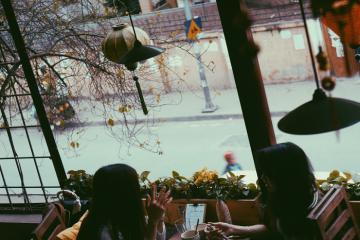 Tìm lại Hà Nội xưa cũ trong 6 quán cafe hoài cổ