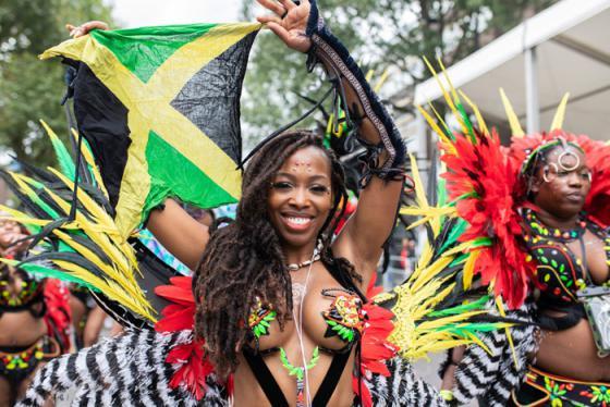 Rực rỡ sắc màu với các lễ hội độc đáo ở Nam Phi