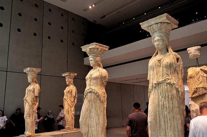 bao-tang-Acropolis-hy-lap-Caryatids