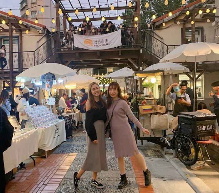 Một vòng khám phá chợ đêm Phụng Giáp Đài Loan