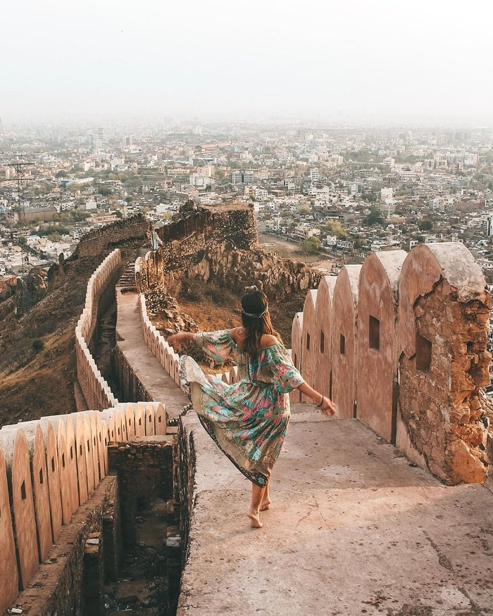 Get lost in the beautiful sunset view of India's Nahargarh fortress