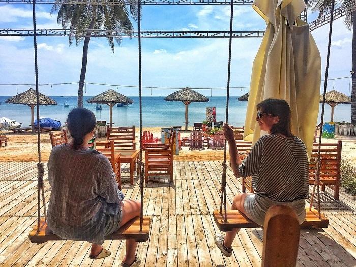 Golden Sand Bar - quán bar đẹp tại Phú Quốc