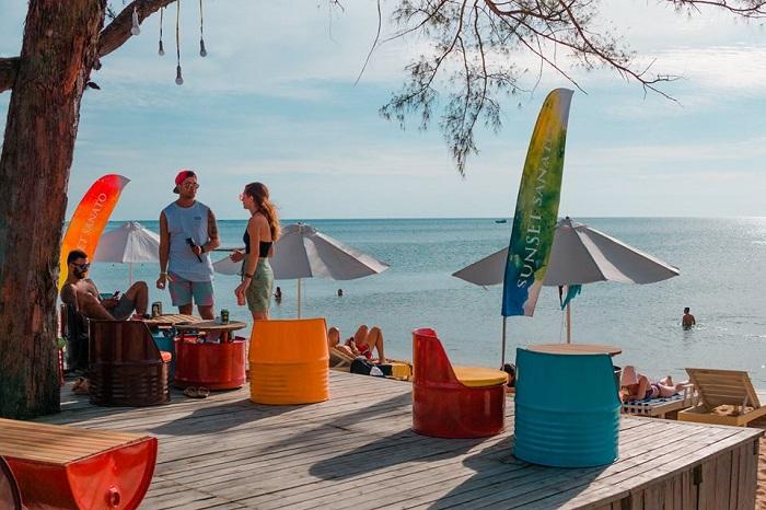 Sunset Sanato Beach Club Phú Quốc - quán bar đẹp tại Phú Quốc
