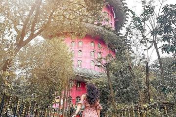 Độc đáo kiến trúc của chùa Wat Samphran Thái Lan