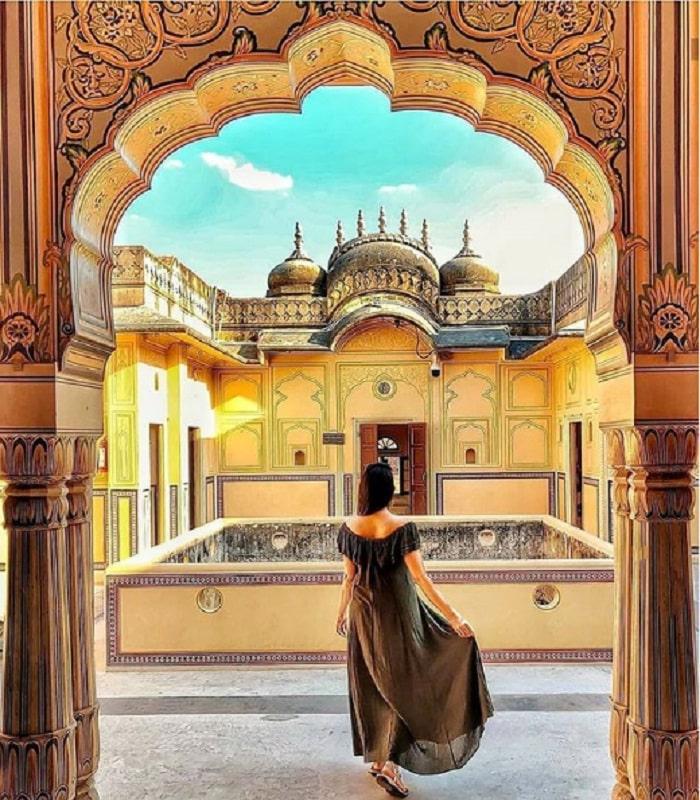 Lạc vào khung cảnh hoàng hôn tuyệt đẹp nơi pháo đài Nahargarh Ấn Độ