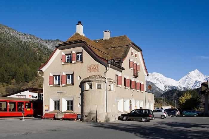 Nhà ga thị trấn Zernez - Vườn quốc gia Thụy Sĩ