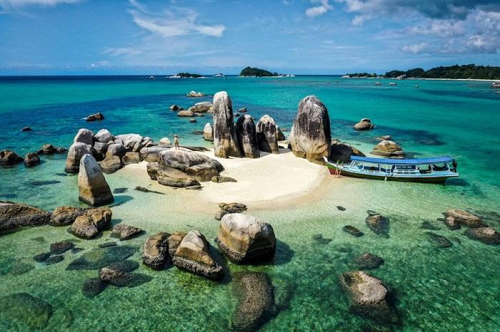 Đảo Batu Berlayar ở Belitung - Đảo du lịch ở Indonesia