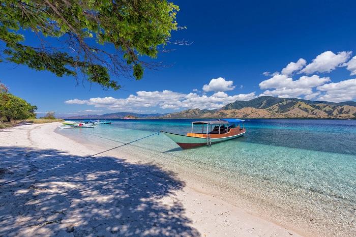 Bãi biển trên đảo Flores - Đảo du lịch ở Indonesia