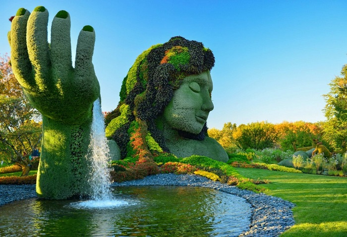 Một tác phẩm nghệ thuật trong vườn bách thảo Montreal - Vườn bách thảo đẹp nhất thế giới