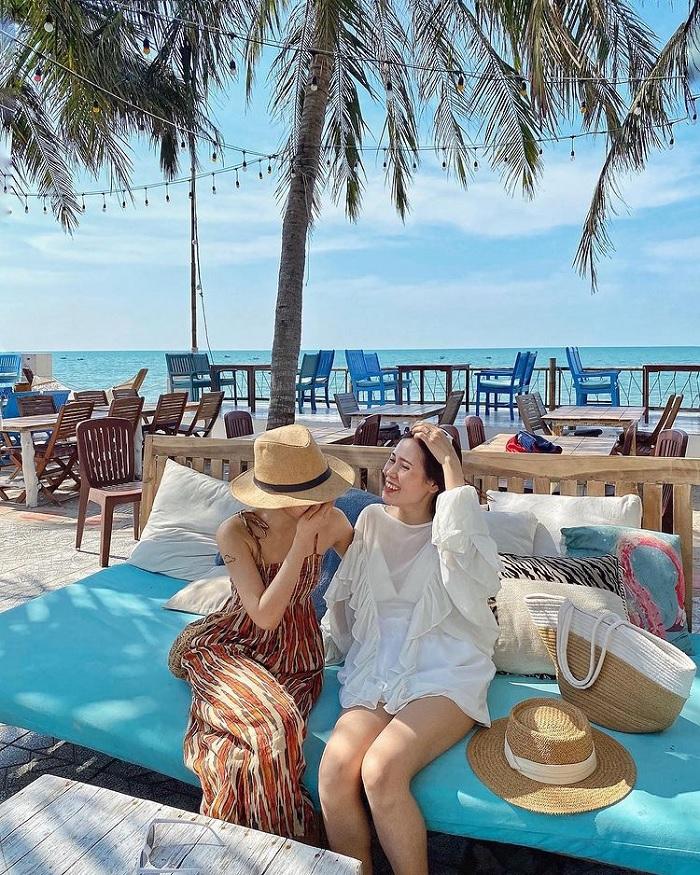 Nirvana Beach Club - quán bar view biển ở Phan Thiết 'chill quên sầu'