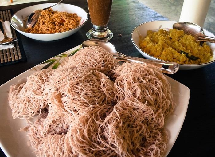 String ởSri Lanka - Những món ăn sáng ngon nhất châu Á