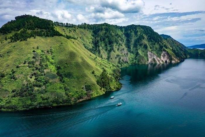Hồ Toba là hồ núi lửa lớn nhất thế giới - Đảo du lịch ở Indonesia