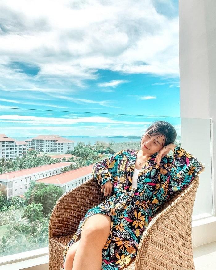 Combo nghỉ dưỡng VinOasis Phú Quốc - khu vực ban công