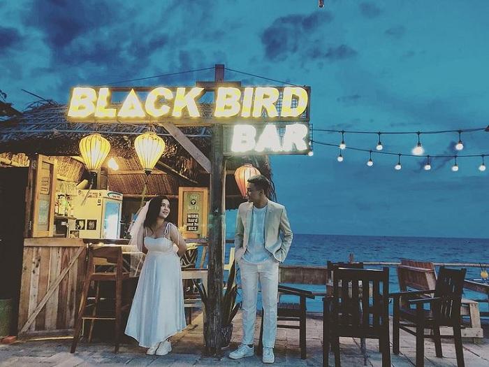 blackbird mũi né - quán bar view biển ở Phan Thiết 'chill quên sầu'