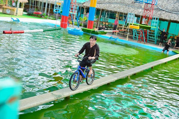 Check in khu du lịch Làng Xanh - Chạy xe đạp