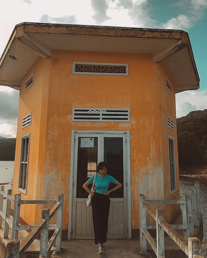 observatory - highlight of My Binh lake Mỹ