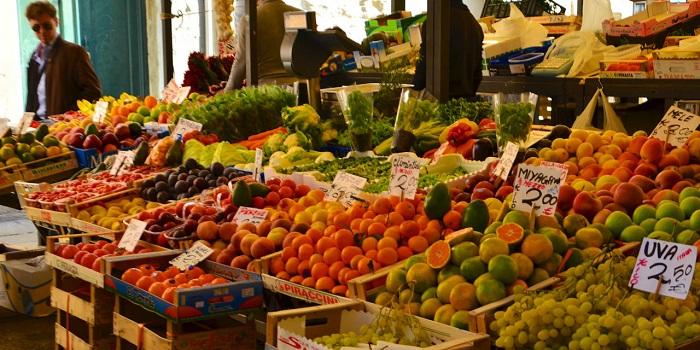 Chợ rau quả rất tươi ngon - Chợ Rialto Venice