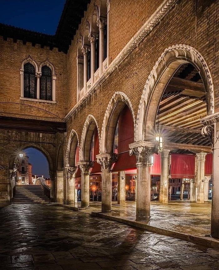 Kiến trúc có từ năm 1900 - Chợ Rialto Venice