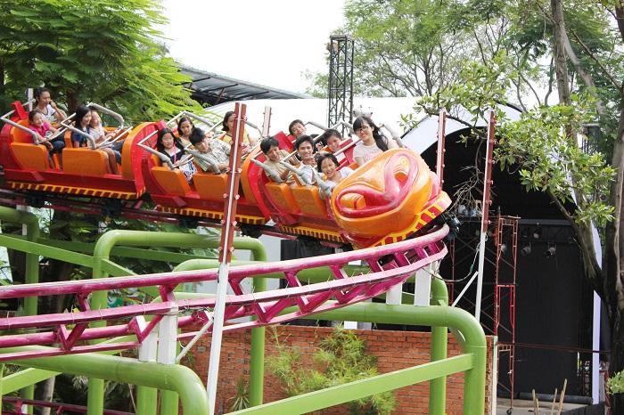 Công viên Thỏ Trắng Lê Thị Riêng - trò chơi hấp dẫn