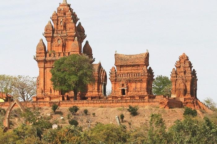 Tháp Po Klong Garai - Địa điểm du lịch Ninh Thuận nổi tiếng