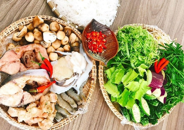 vegetables, meat, fish - served with U Minh fish sauce hot pot