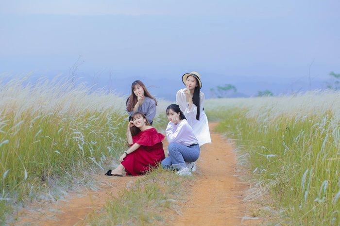 Khám phá đồi cỏ tranh Đắk Nông