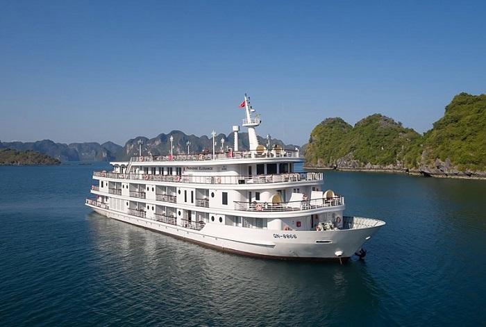 hang Sáng Tối Hạ Long- thuê du thuyền khám phá