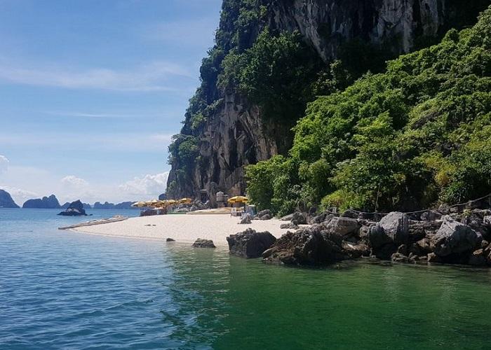 Thien Canh Son Cave - where