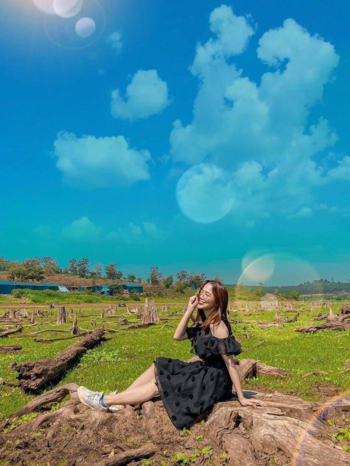 Virtual life in Thuan An Volcanic Lake