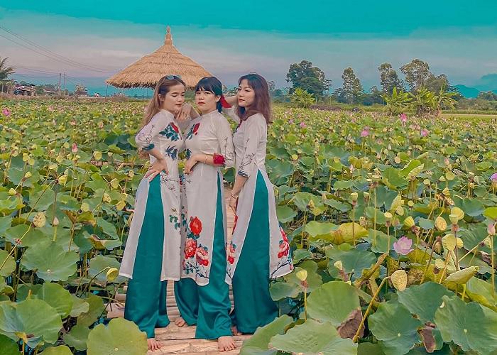 Ao Dai - outfit taken with Tay Son lotus dress đầm