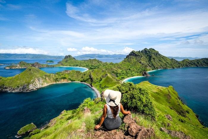Quang cảnh Đảo Padar nổi tiếng trong Vườn quốc gia Komodo - Đảo du lịch ở Indonesia