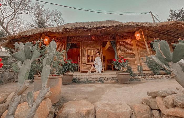 nhà cổ - điểm đến hấp dẫn tại Làng cổ Gò Cỏ