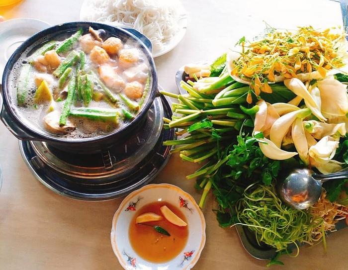 Western vegetables - unique feature of U Minh fish sauce hotpot