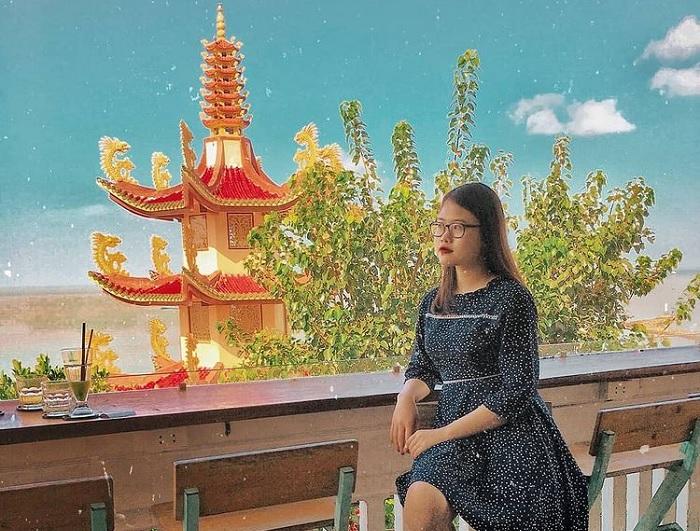 lightroom coffee studio - unique sea view cafe in Vung Tau