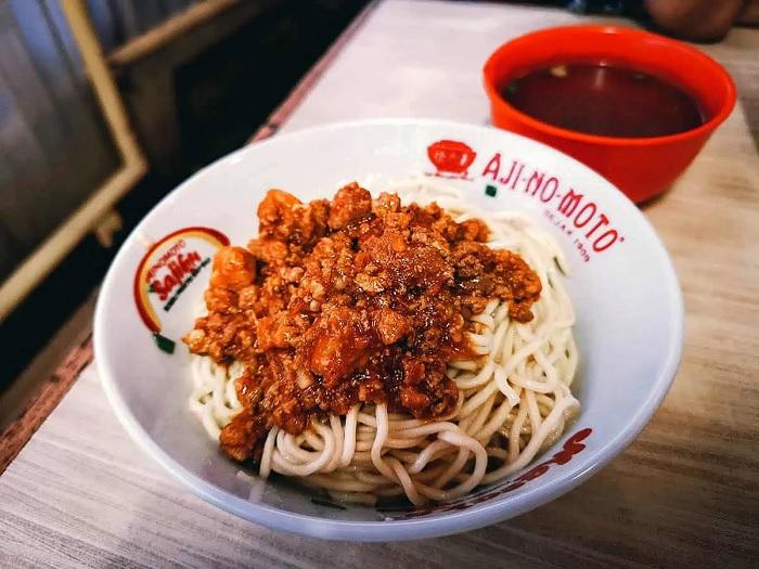 Mì thịt băm cay ở Mie Rica Kejakasaan - ăn gì ở Bandung
