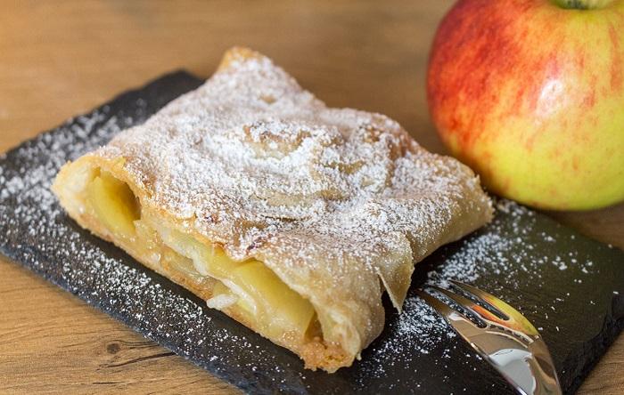 Món bánh táo Apfelstrudel - Món ăn truyền thống ở Đức