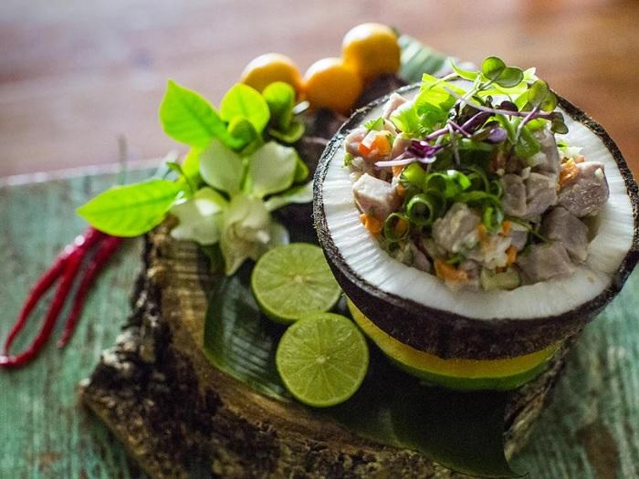 Ẩm thực nơi đây có nguyên liệu chủ yếu từ biển Quần đảo Cook