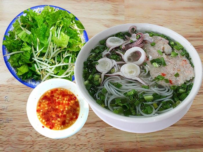 quán ăn sáng ngon ở Sài Gòn - quán bún Quậy Sài Gòn