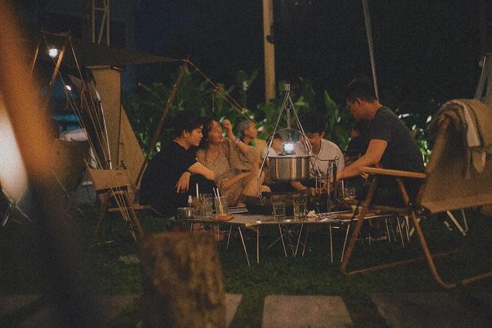 buổi tối - không gian hấp dẫn tại quán cà phê cắm trại ở Thủ Đức