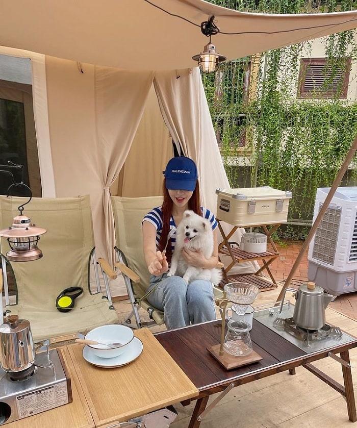 mang thú cưng -  điểm thú vị tại quán cà phê cắm trại ở Thủ Đức