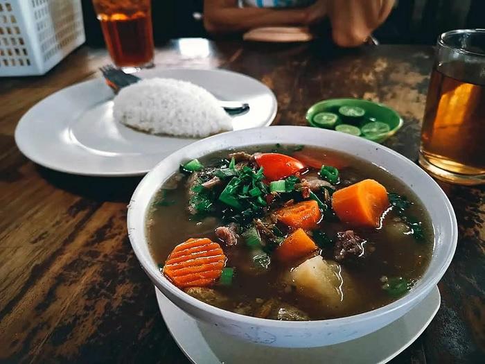 Súp đuôi bò hầm - ăn gì ở Bandung