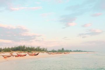 Du lịch biển Mỹ Thủy Quảng Trị tắm mát và chiêm ngưỡng vẻ đẹp của 'hòn ngọc thô'
