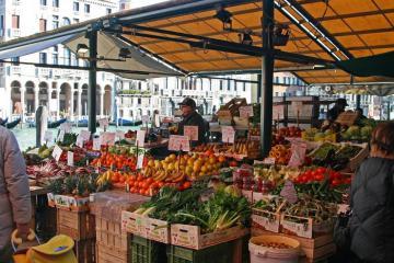 Chợ Rialto Venice - hương sắc đích thực của thành phố lãng mạn nhất thế giới
