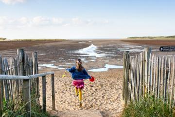 Top những bãi biển đẹp đến nghẹt thở ở nước Anh được tạp chí du lịch quốc tế bình chọn