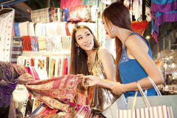Thỏa sức mua sắm trong mùa Sale ở Hồng Kông