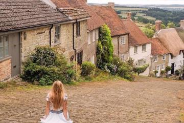 Lang thang qua những ngôi làng cổ kính và lãng mạn nhất nước Anh