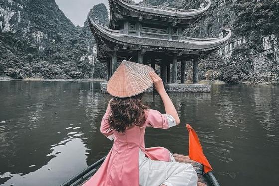 Gom nhanh bí kíp đi du lịch Ninh Bình nên mặc gì để lên hình lung linh?