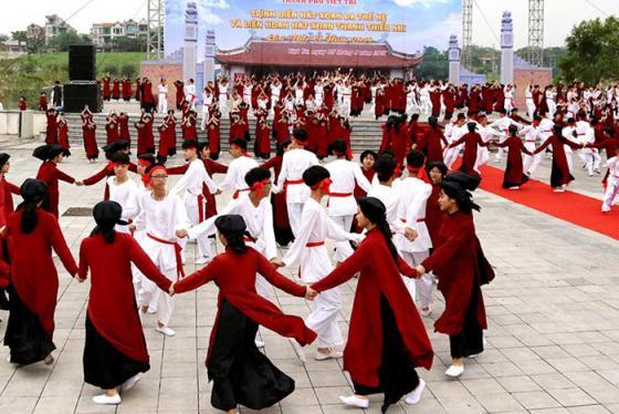 Tìm hiểu nét đặc sắc trong nghệ thuật hát xoan Phú Thọ